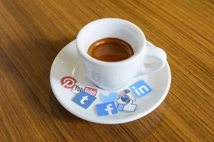 HOW TO MAKE YOUR SOCIAL MEDIA MARKETING PROFITABLE